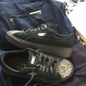 Puma  Size 8.5 Black with silver glitter toe